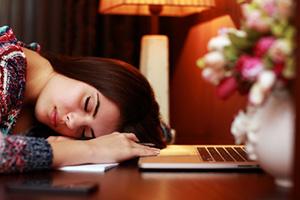 Pourquoi les femmes ont besoin de plus de sommeil?